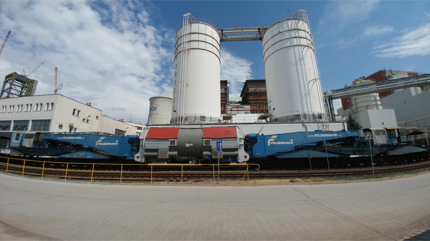 Railways transport of heavy cargo