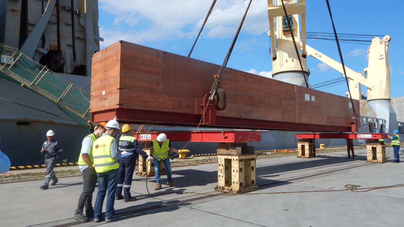 Project logistics - case studies - Specialized handling in ports and railway transport
