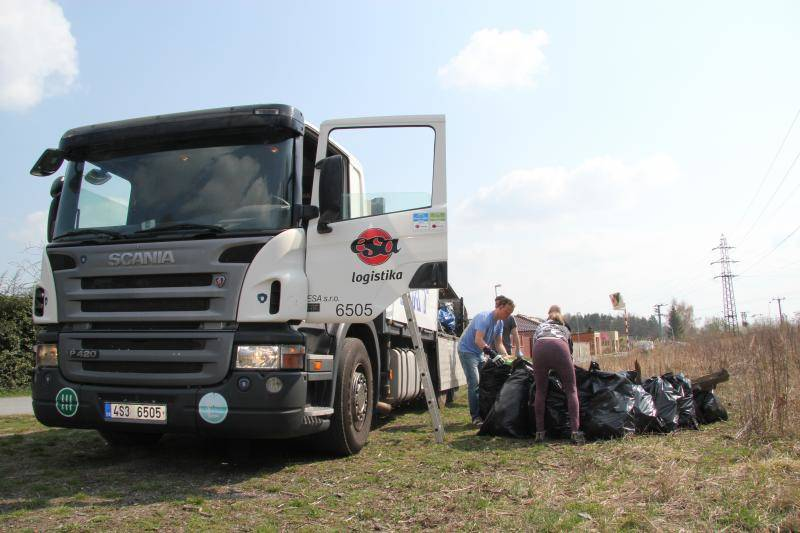 "ESA logistika supported the event ""Let's Clean up Kladno ""."