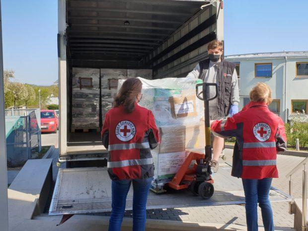 ESA LOGISTIKA pomáha distribuovať pomoc Červeného kríža