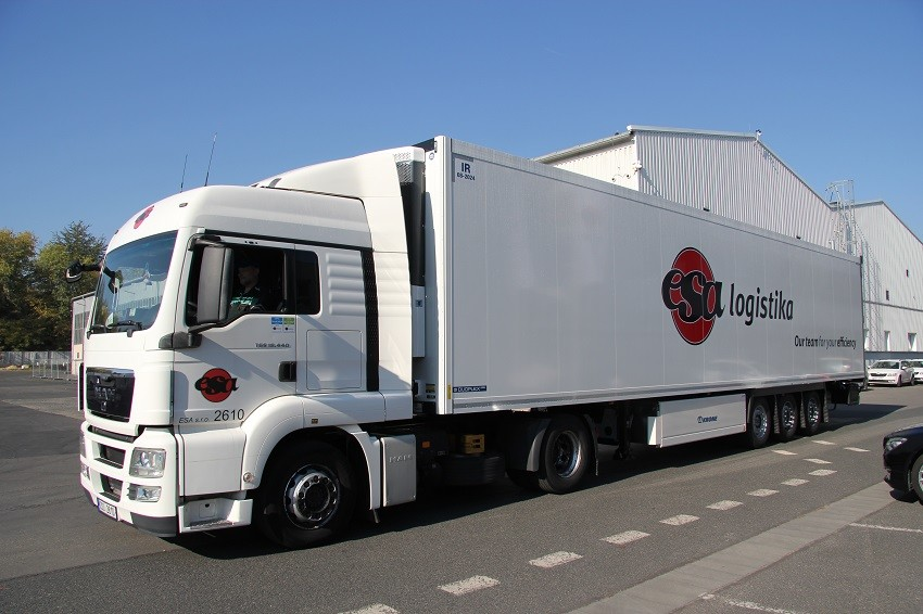 Služby_dopravní řešení_ dopravní služby FTL premium_ kamion ESA logistika