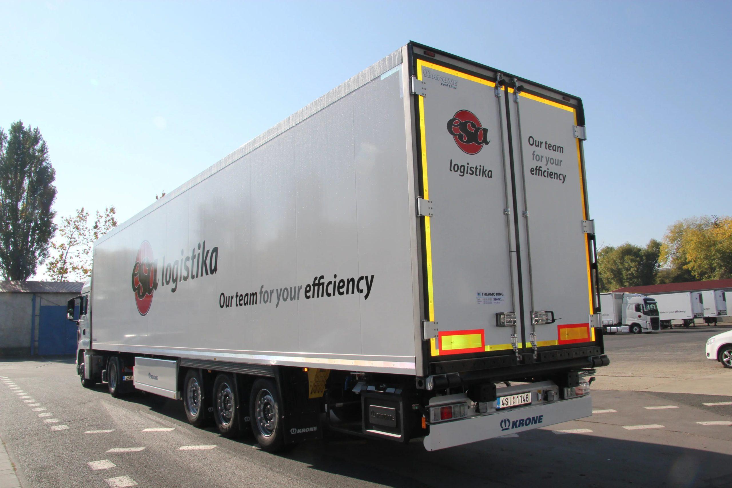 Usługa transportowa FTL Premium, ciężarówka z logo firmy ESA, transport ładunków wysokowartościowych