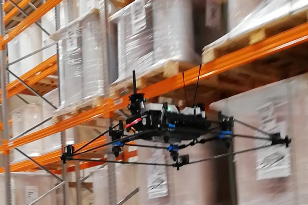 ESA LOGISTIKA zahájila komerčné využívanie autonómnych dronov v skladoch