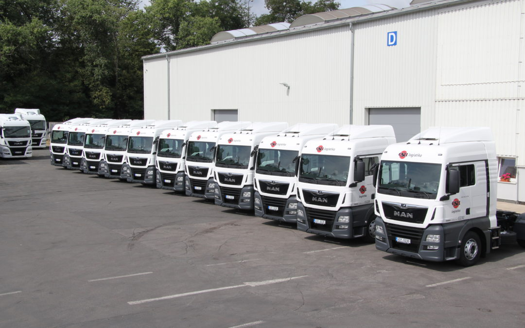 The new 13 tractors entered service in the colors of ESA logistics.